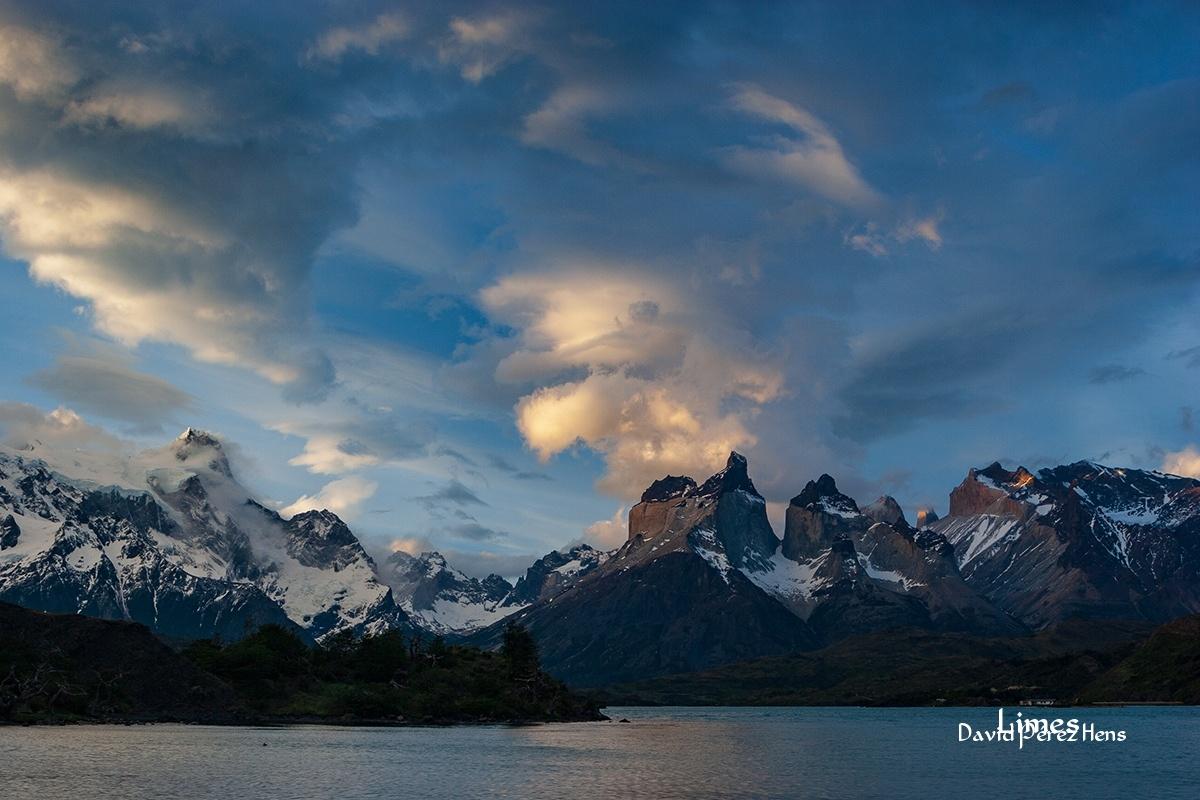 Atardecer Torres del Paine - Chile - Limes , David Pérez Hens