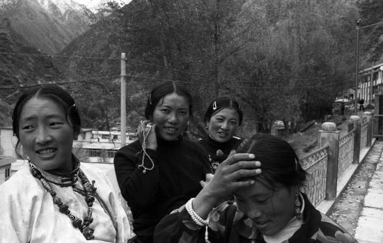 Ganzi, 2002
