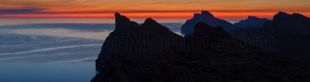 Crepúsculo matinal en las montañas de Pollensa, sierra de Tramuntana, Mallorca