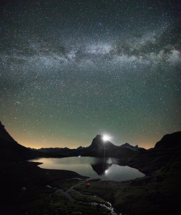 Salida de luna y Via Lactea