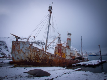 Old whaling ship - Grytviken - Juan Abal