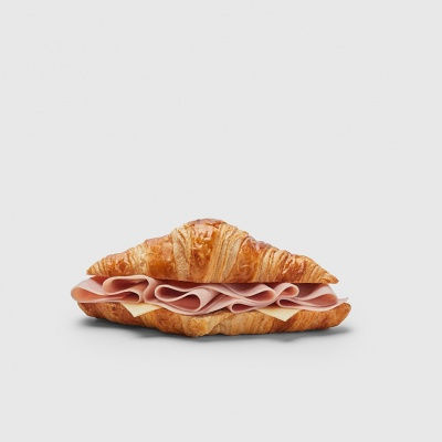 Fotografía gastronómica de un croissant mixto de Starbucks