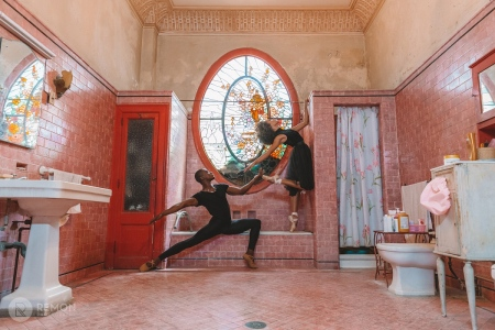 photo of a colonial bathroom in havana, cuba