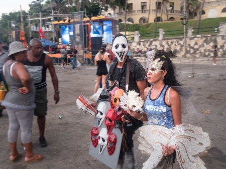 cuban people dress special for carnival times