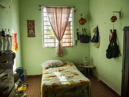 a Bedroom, pictures and photos of last chineses in cuba