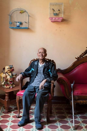 Old president in chinatown of havana , pictures and photos of last chineses in cuba