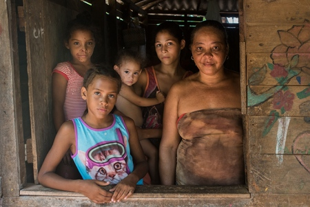 group of cuban woman with indigenous traits, anthropological photo of cuba