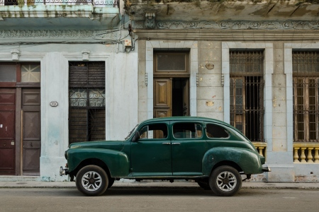 old cars in cuba 13 , cuban workshops led by louis alarcon