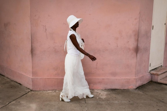 cuban woman dress in white, photos of cuba