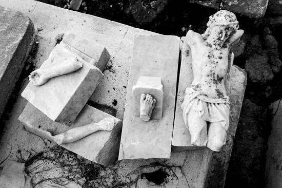 broken religion, cuban photography fine art by louis alarcon