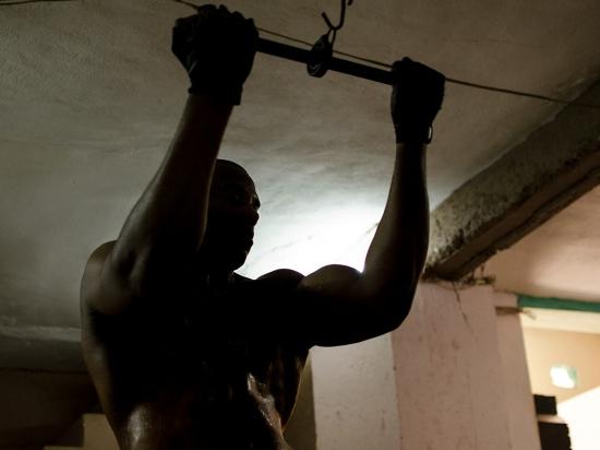 cuban gimnastic man in a vintage gym