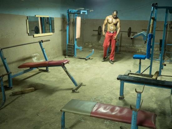 alain el flecha entrenando en su gimnasio