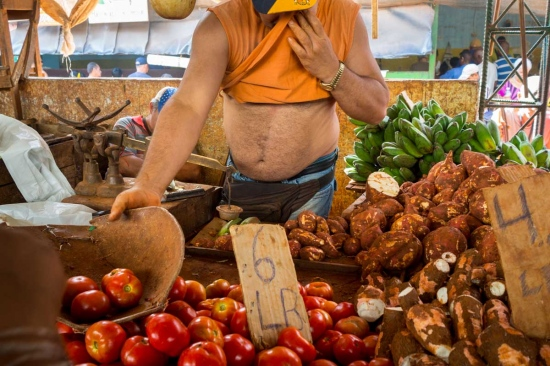 photos of markets in Havana in my courses of photography by louis alarcon