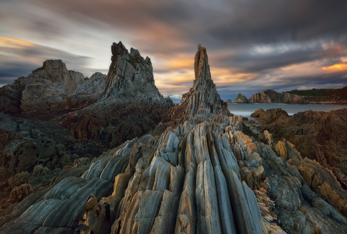 Cesar Llaneza · Needles of coast