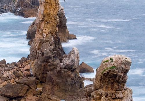 The needle of the gulls, beach of Arnia (Cantabria)