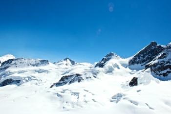 dsc 9921 Puerto de montaña Jungfraujoch entre la montaña el Mönch y el Jungfrau en los Alpes berneses, Suiza.