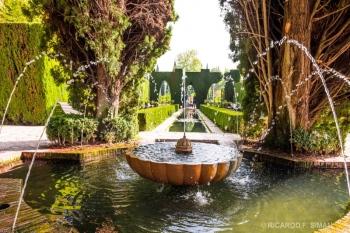Fuente en el jardin Generalife