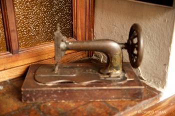 Maquina de Coser Antigua, Quito