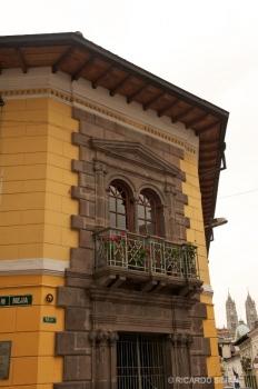 Alrededores de Basílica del Voto Nacional