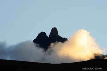 Montaña Pumasillo, vista desde el templo de Ollantaytambo.