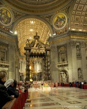 Interior de Basilica de San Pedro