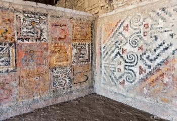DSC_9989 Pinturas murales polícromas en la tumba de la Señora de Cao