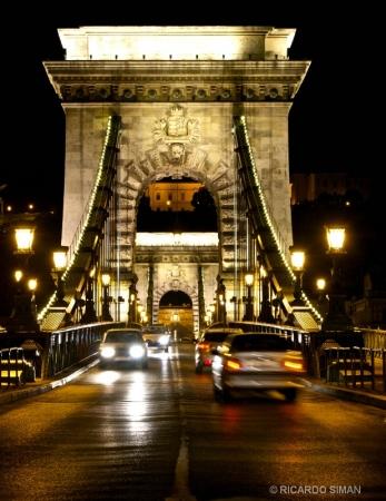 Puente de Las Cadenas de Noche
