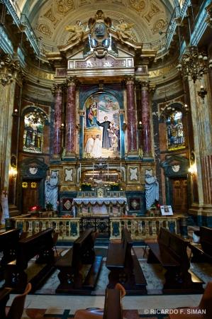 Sepulcro de San Juan Bosco en la Basílica de María Auxiliadora, Turin