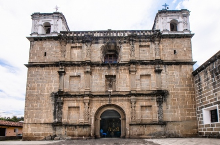 _DSC2191-HDR Iglesia Escuela de Cristo.jpg