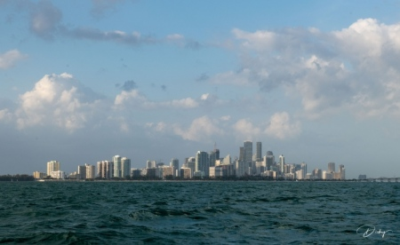 ciiudad de Miami desde key biscayne