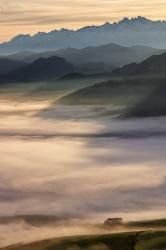 Nieblas de la mañana lo invaden todos