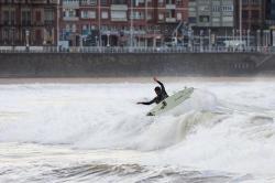 Hector por los aires en Gijón también.