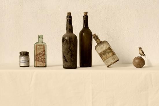 bodegon botella inclinada