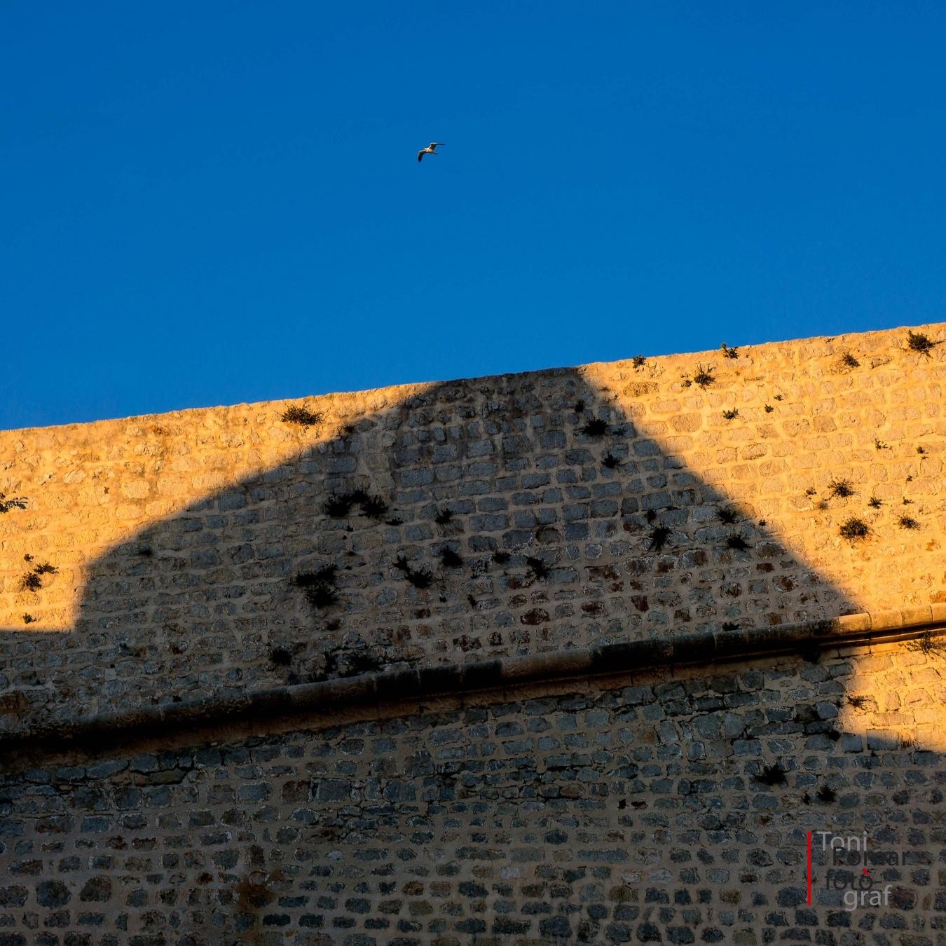 L'ombra del baluard - A cel obert - Toni Pomar. A cel obert