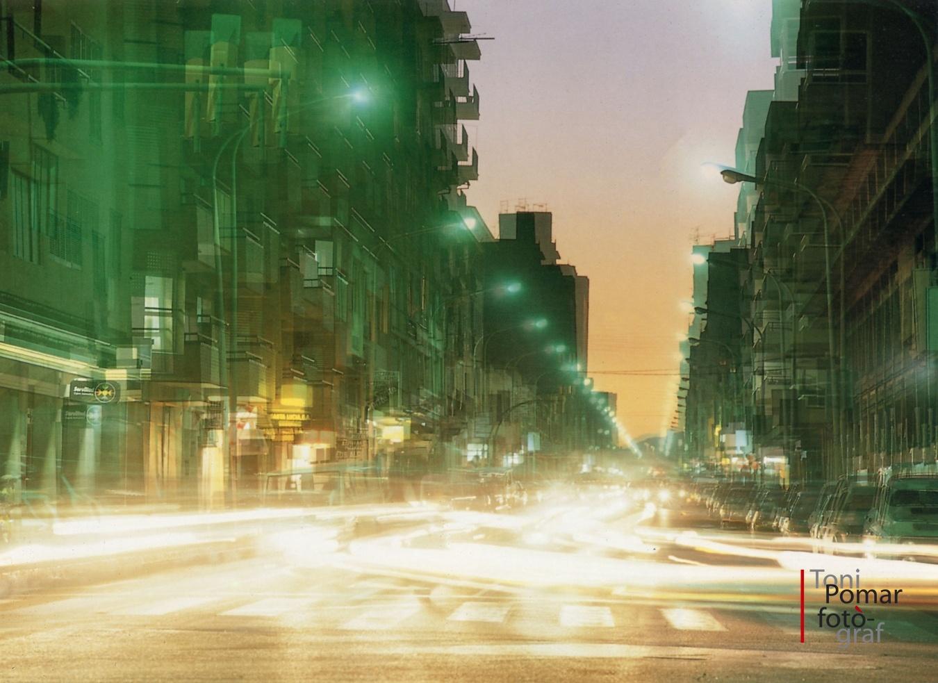 Escolta el rock, noia del carrer ample, papallona encesa de la gran avinguda, de l'àrea metropolitana - Eivissa as New York - Eivissa as New York