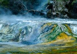 Terrazas de Mármol, Valle volcánico de Waimangu