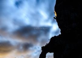 Escalada nocturna. Arco de Lleria