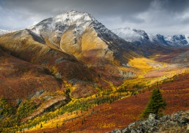 The first snow of autumn at Grizzly Creek Valley. Tombstone Park